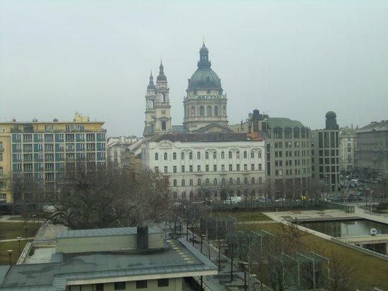 The Ritz-Carlton, Budapest:                   部屋から見える景色