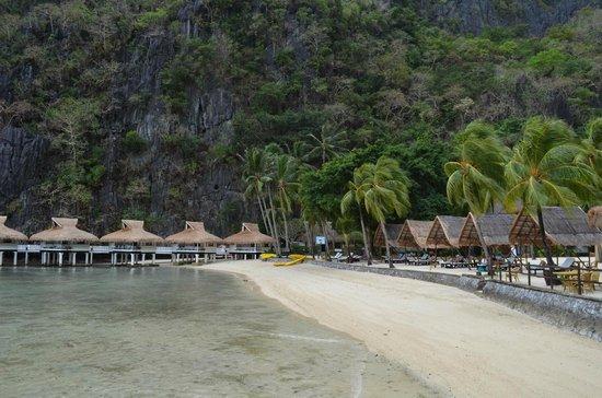 El Nido Resorts Miniloc Island :                   Beach