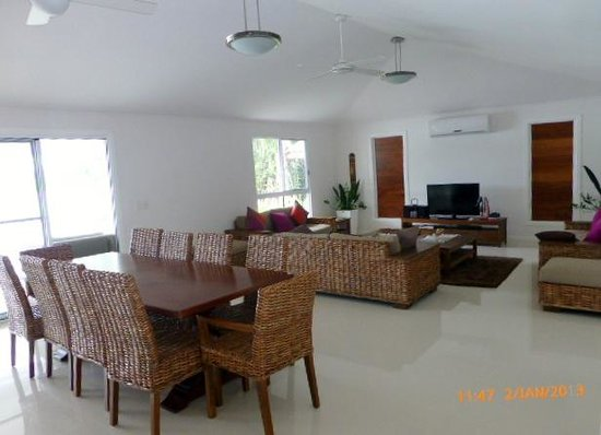 Erakor Island Resort & Spa:                   Living room - House