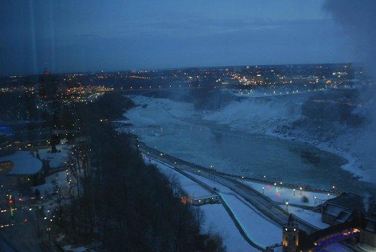 Niagara Falls Marriott Fallsview Hotel & Spa: Niagara Falls...Canada