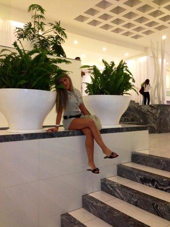 Krystal Cancun:                   Lobby