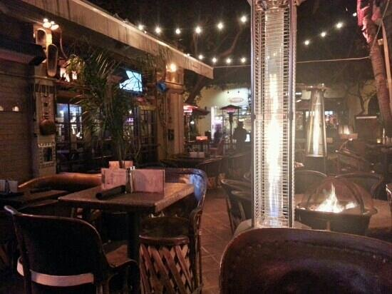 Sandbar Cocina y Tequila:                   7pm on a chilly night.