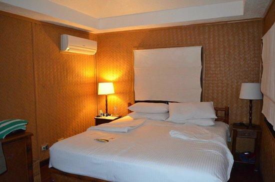 El Nido Resorts Miniloc Island:                   Water cottage interior