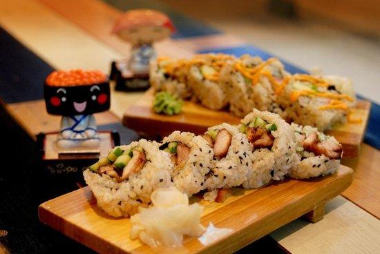 Yume Sushi: Brown Rice sushi Roll