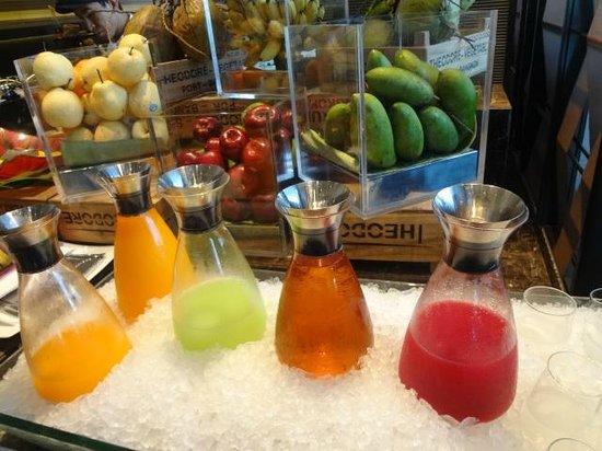The Okura Prestige Bangkok:                   南国フレッシュジュース