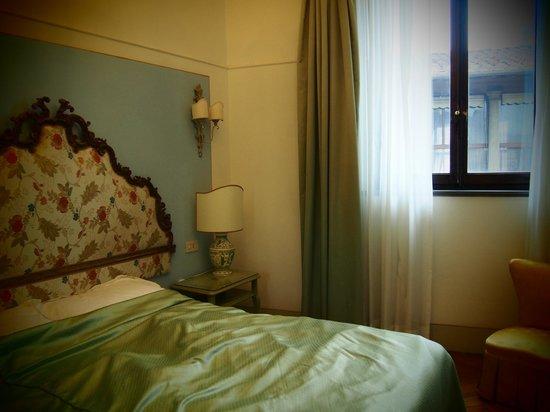 Hotel Tornabuoni Beacci:                   窓のある部屋