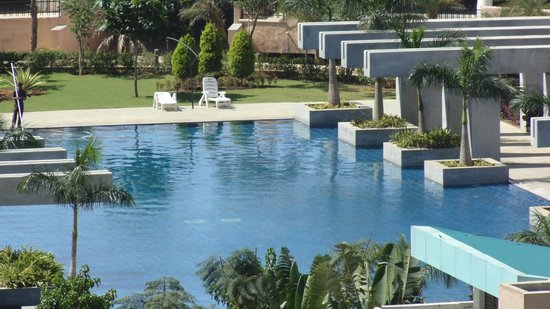 Bangalore Rooms - Whitefield : PSN swimming pool