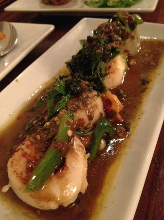 Lotus of Siam:                   Basil scallops