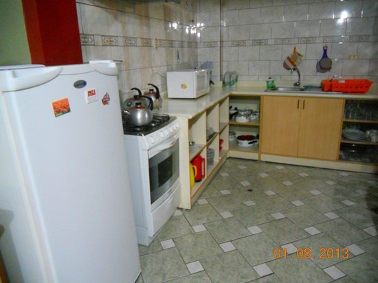 Los Aticos: Kitchen, people can cook here
