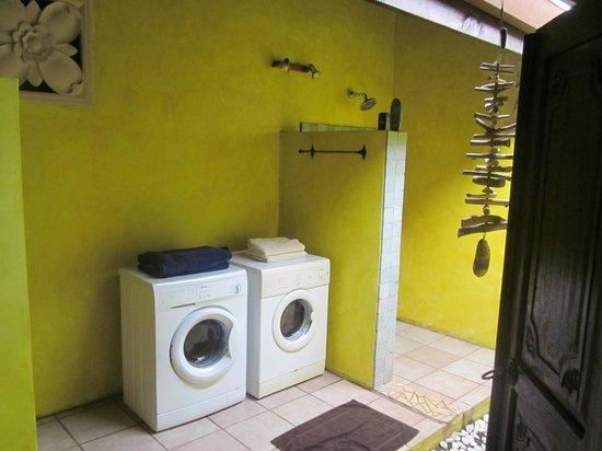 Villa Mitirapa:                   salle de bain équipée