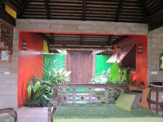 Villa Mitirapa:                   entrée de la villa