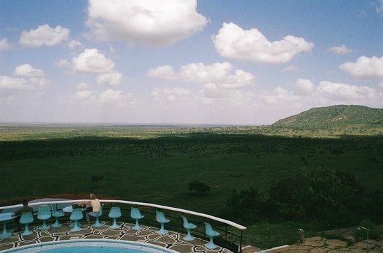 Voi Safari Lodge: View from bar area