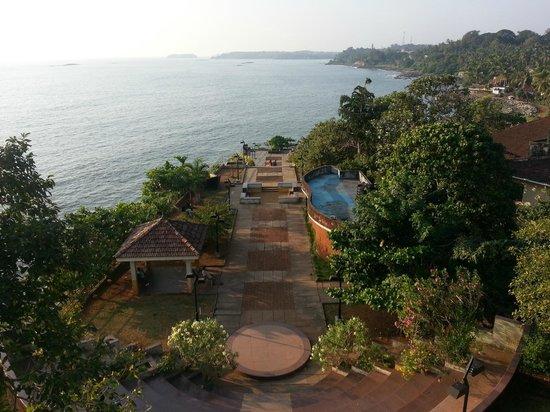 Thalassery, الهند:                   Overbury's folly                 