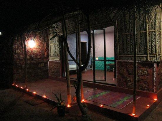 Marari Dreamz: coconut leaf villa