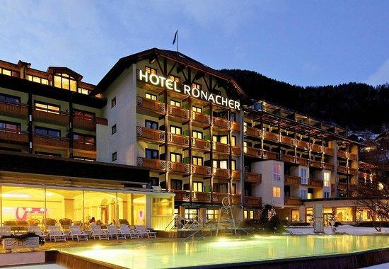 Das Ronacher - Therme & Spa Resort : Hotelansicht Winter