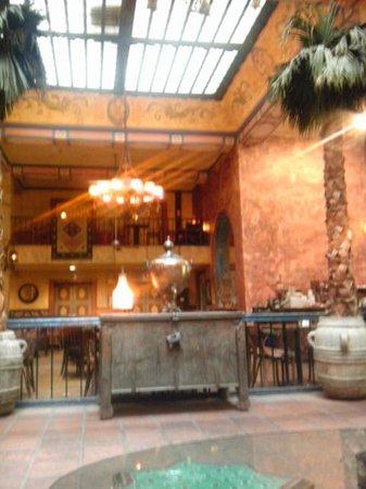 Hotel Figueroa:                   食堂