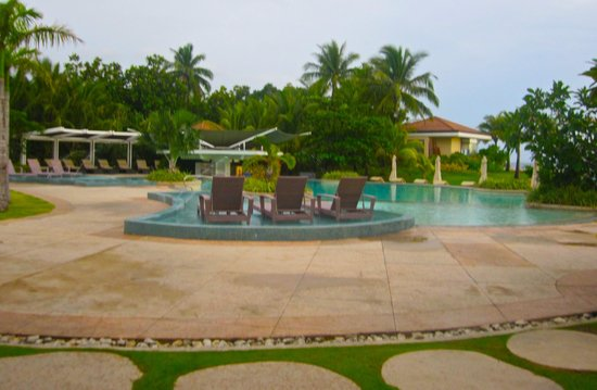 Misibis Bay Resort:                   Inifinity Pool