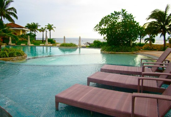 Misibis Bay Resort:                   infinity pool with a toddlers splash pool