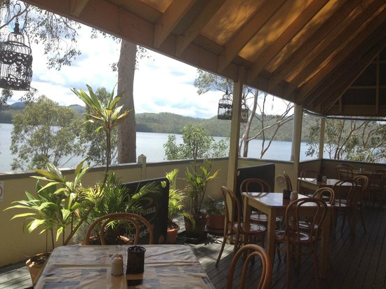 Cormorant Bay Cafe:                   View of Wivenhoe dam