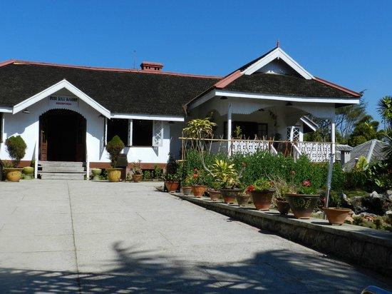 Pine Hill Resort, Kalaw:                   Reception