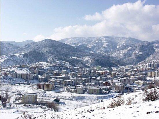 Кизилкахамам, Турция:                   Kızılcahamam Karşıdan karlar altında