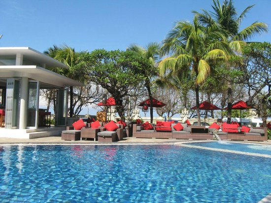 Kuta Seaview Boutique Resort & Spa:                   The pool is refreshing