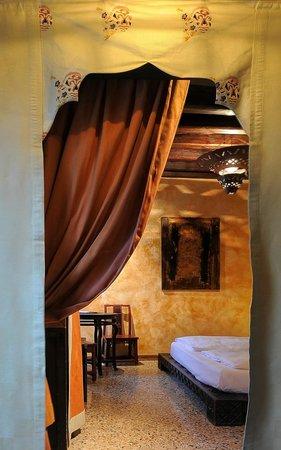 Novecento Boutique Hotel: room detail