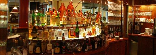 relexa hotel Airport Düsseldorf-Ratingen: Bar