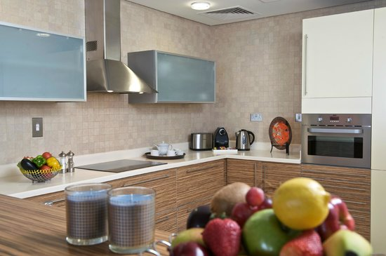 Fraser Suites Doha: Suite Kitchen متبخ السويت