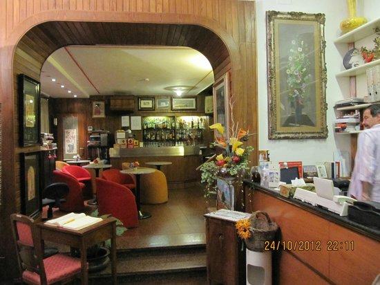 Hotel Albion:                                                       Lobi