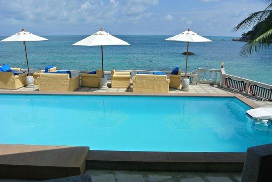 Crystal Bay Beach Resort:                   vue piscine