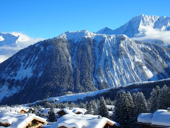 Courcheneige:                   Unmistakably Courchevel !