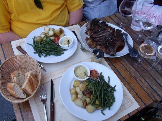 La Grille Saint Germain :                   our dinner, yum!!