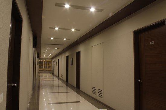Platinum Inn Hotel: Lobby