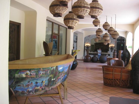 Los Arcos Suites:                   Part of Lobby area