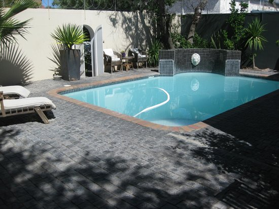 The 3 Chimneys Guest House: Pool Area