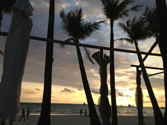 Discovery Shores Boracay: Sunset at Discovery Shores
