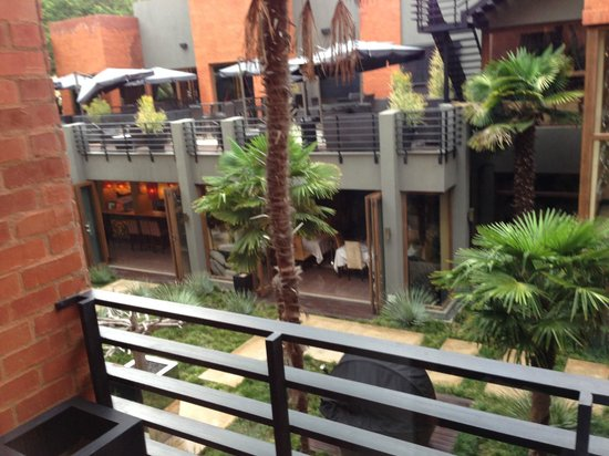 Fusion Boutique Hotel: Quality and beautiful landscaping