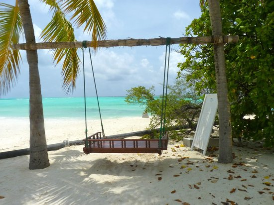 Kuredu Island Resort & Spa:                   Where the sea parts