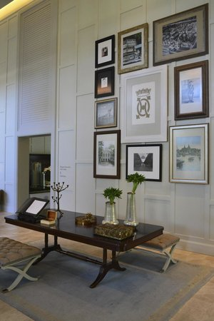 Oriental Residence Bangkok:                   Lobby