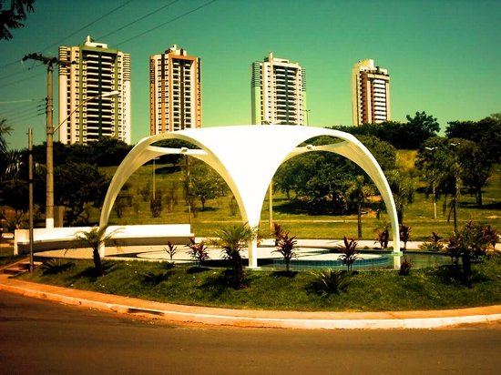 Presidente Prudente, SP:                   Arcos do Parque do Povo
