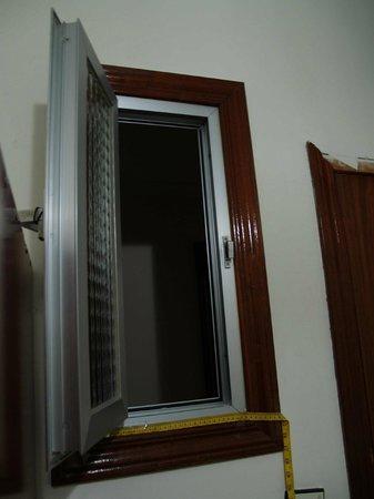 Hostal Las Murallas, Madrid, room (image 3)