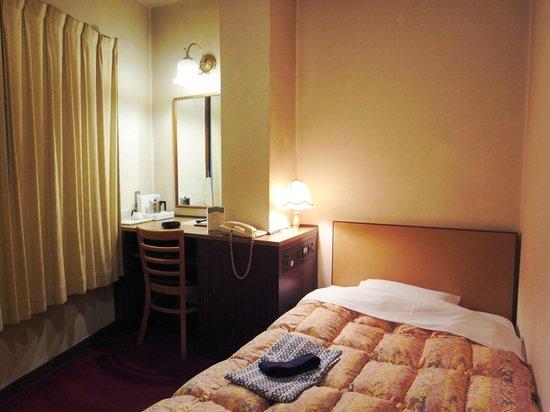 Oka Hotel :                   部屋