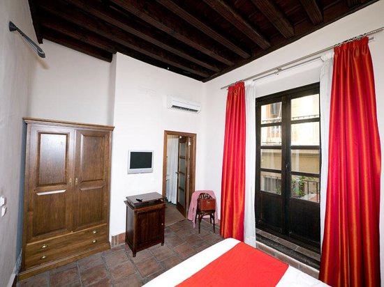 Casa Palacio Pilar del Toro Hotel:                                     Our room 1