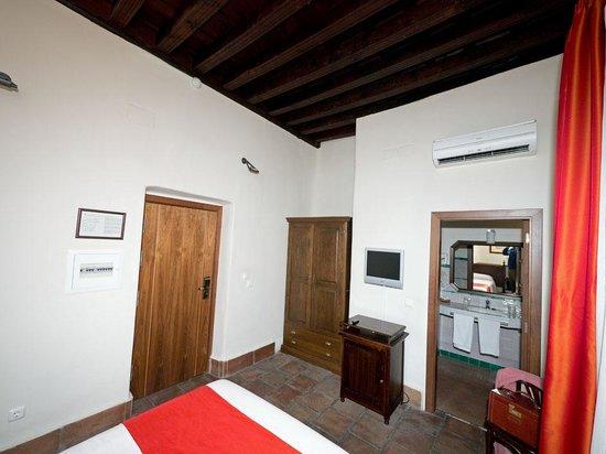 Hotel Casa del Pilar:                                     Our room 2