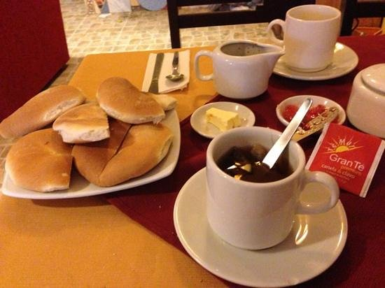 Hostal Pakarina: Typically free breakfast.
