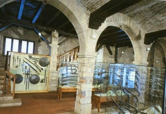 Provincia de Teruel, España:                   San Marino, The Museum of Ancient Arms
