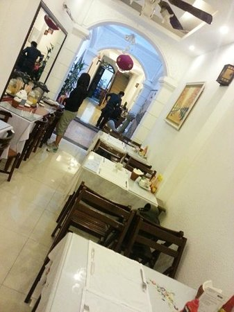 Green Diamond Hotel: Dining area