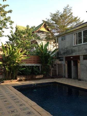 Buri Gallery House :                                     the pool area