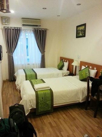Green Diamond Hotel: Room on third floor